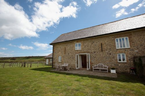 Upfront,up,front,reviews,accommodation,self,catering,rental,holiday,homes,cottages,feedback,information,genuine,trust,worthy,trustworthy,supercontrol,system,guests,customers,verified,exclusive,the grain store,luxury dorset cottages,abbotsbury,,image,of,photo,picture,view