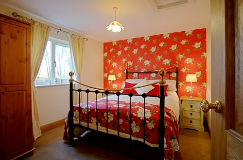 Beckhead Cottage, bedroom, Cottage Holiday Group