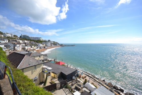 Upfront,up,front,reviews,accommodation,self,catering,rental,holiday,homes,cottages,feedback,information,genuine,trust,worthy,trustworthy,supercontrol,system,guests,customers,verified,exclusive,4 roslyn house ,island holiday homes,ventnor,,image,of,photo,picture,view