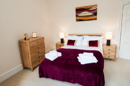 Tay View, Perth, Bedroom, Cottage Holiday Group