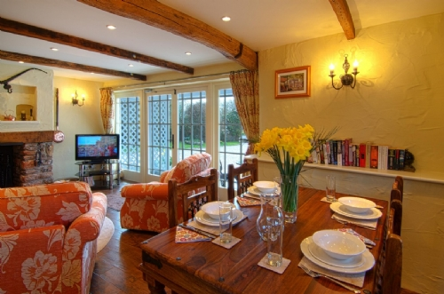 The Hayloft, Stoke Gabriel, Devon, Dining Lounge, Cottage Holiday Group