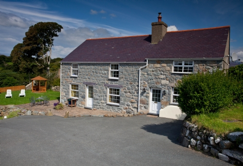 Upfront,up,front,reviews,accommodation,self,catering,rental,holiday,homes,cottages,feedback,information,genuine,trust,worthy,trustworthy,supercontrol,system,guests,customers,verified,exclusive,hendre farmhouse,rhos country cottages,criccieth,,image,of,photo,picture,view