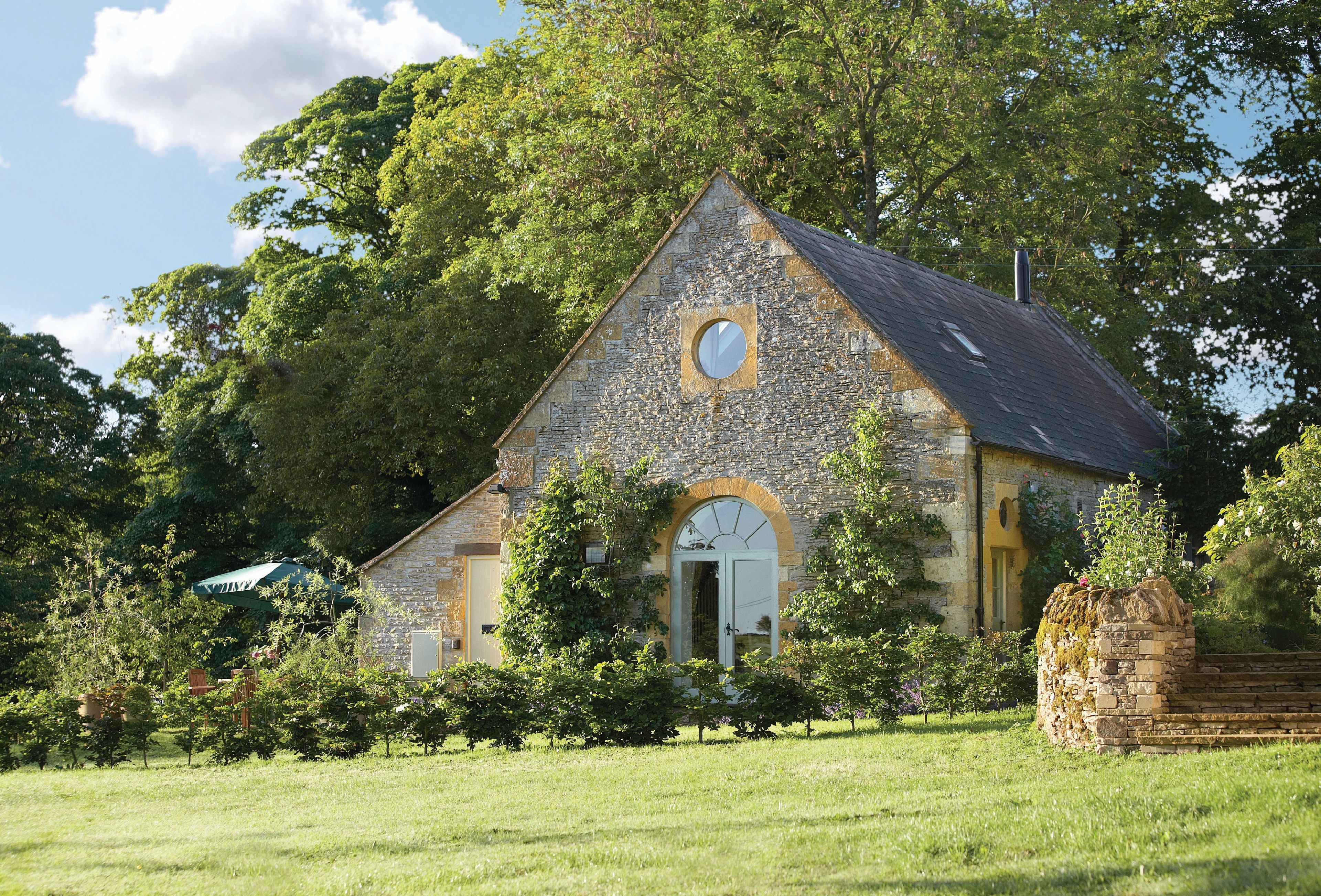 a hall old place perfect to accommodation wedding before cottage it get the furnished day your night house three venue for is stylishly renovated coach blake and at big beautifully bedroom ideal