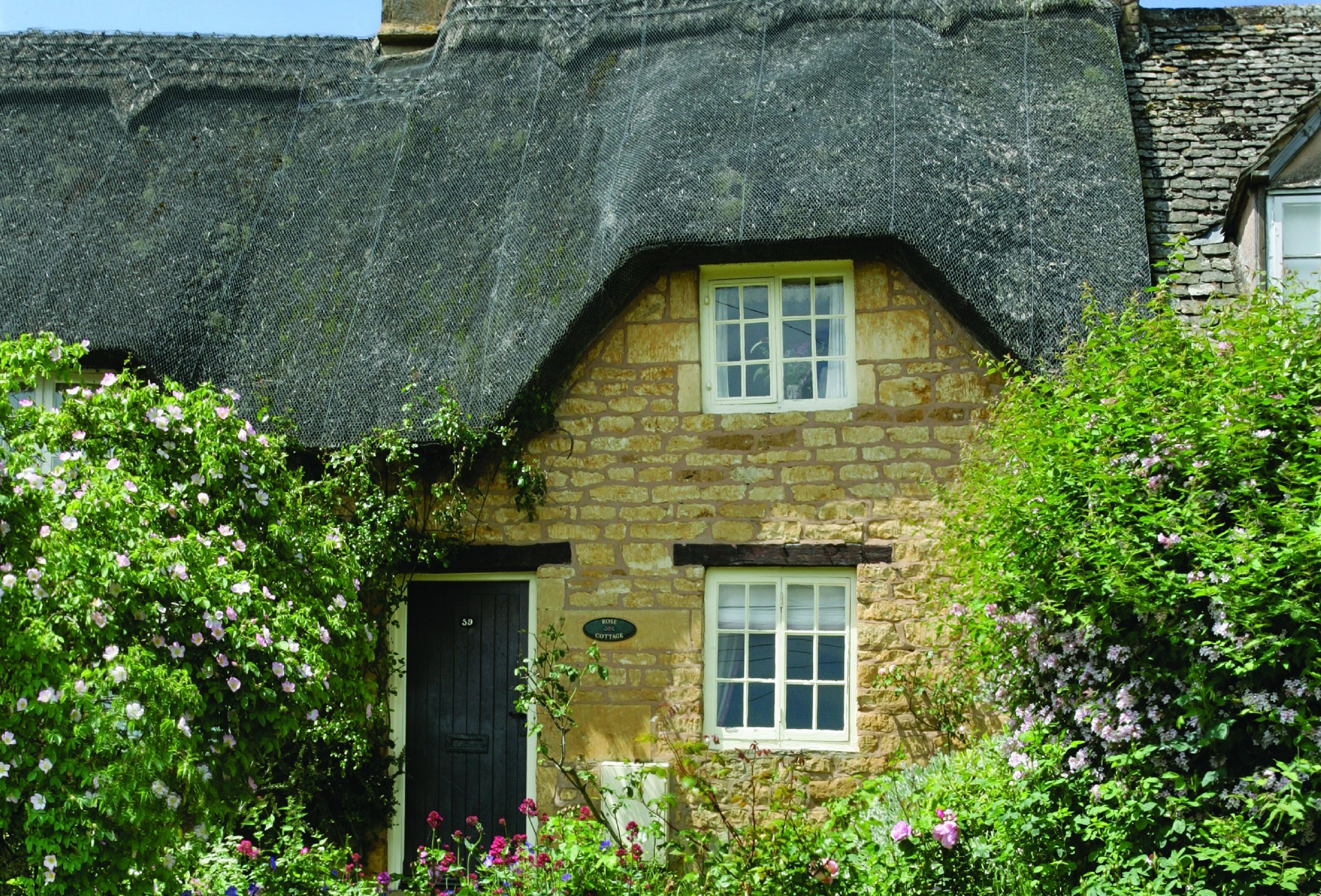 the photo catering cottage in cabin with cotswolds upleadon newent hot holiday rent tubs self gloucestershire cottages greenways sc to log
