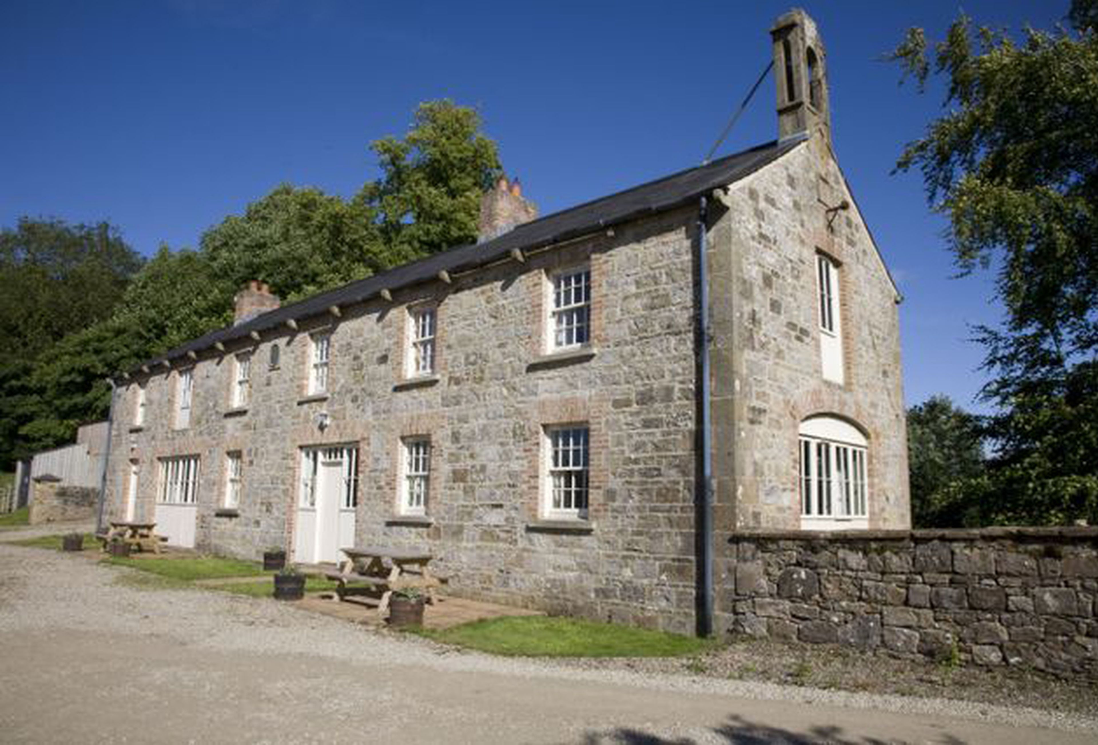cornwall within cottage england walled s catering hse tregrehan sawday britain in coach cottages self garden