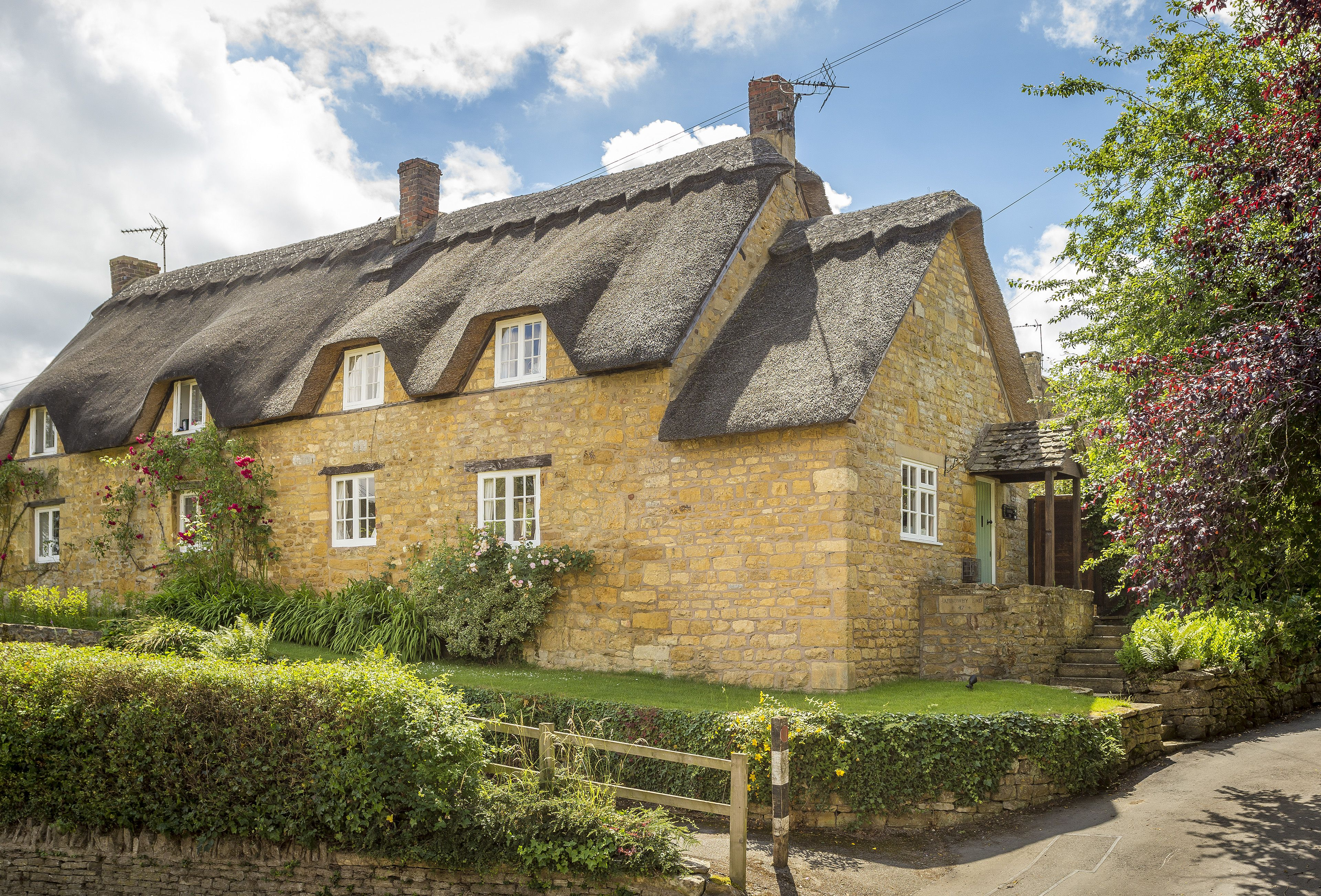 Harrowby End A Cosy Grade II Listed Thatched Cottage