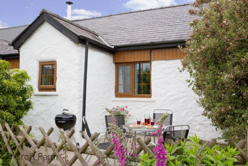 Upfront,up,front,reviews,accommodation,self,catering,rental,holiday,homes,cottages,feedback,information,genuine,trust,worthy,trustworthy,supercontrol,system,guests,customers,verified,exclusive,the stable,croft farm & celtic cottages,cardigan,,image,of,photo,picture,view