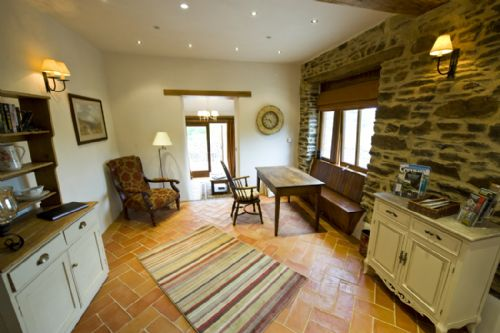 Upfront,up,front,reviews,accommodation,self,catering,rental,holiday,homes,cottages,feedback,information,genuine,trust,worthy,trustworthy,supercontrol,system,guests,customers,verified,exclusive,meadow barn,devon country barns,,,image,of,photo,picture,view