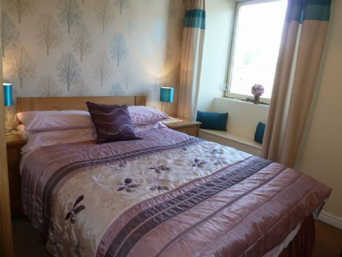 Meadow Bank Lodge,Double Bedroom, Lakes Cottage Holidays