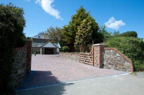 Upfront,up,front,reviews,accommodation,self,catering,rental,holiday,homes,cottages,feedback,information,genuine,trust,worthy,trustworthy,supercontrol,system,guests,customers,verified,exclusive,roof tops,cornwalls cottages ltd,stratton near bude,,image,of,photo,picture,view