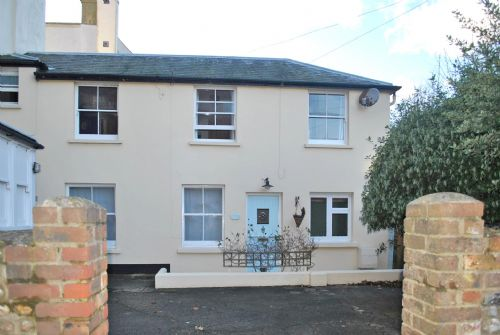 Upfront,up,front,reviews,accommodation,self,catering,rental,holiday,homes,cottages,feedback,information,genuine,trust,worthy,trustworthy,supercontrol,system,guests,customers,verified,exclusive,mews cottage, bognor regis,henry adams holiday lets,bognor regis,,image,of,photo,picture,view