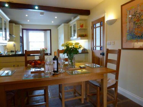Greenbank Farmhouse, dining area, Lakes Cottage Holidays