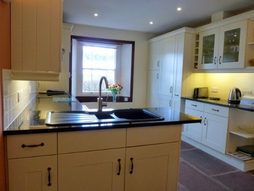 Greenbank Farmhouse, Kitchen, Lakes Cottage Holidays