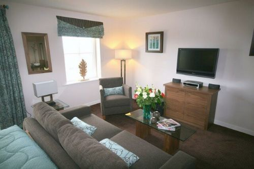 ULLSWATER SUITE Studio 1 (ground floor) Whitbarrow Holiday Village, Nr Ullswater