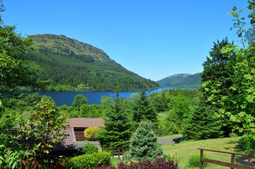 Upfront,up,front,reviews,accommodation,self,catering,rental,holiday,homes,cottages,feedback,information,genuine,trust,worthy,trustworthy,supercontrol,system,guests,customers,verified,exclusive,ash lodge,argyll self catering holidays,loch eck,,image,of,photo,picture,view