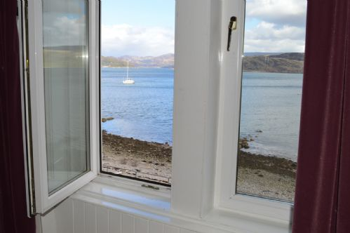 Upfront,up,front,reviews,accommodation,self,catering,rental,holiday,homes,cottages,feedback,information,genuine,trust,worthy,trustworthy,supercontrol,system,guests,customers,verified,exclusive,kyles view,argyll self catering holidays,kames,,image,of,photo,picture,view