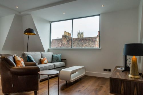Upfront,up,front,reviews,accommodation,self,catering,rental,holiday,homes,cottages,feedback,information,genuine,trust,worthy,trustworthy,supercontrol,system,guests,customers,verified,exclusive,castle chambers 24,stays york,york,,image,of,photo,picture,view