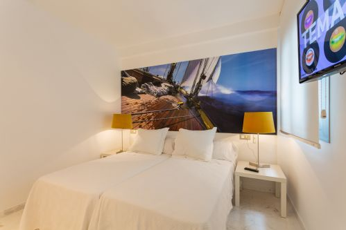 Upfront,up,front,reviews,accommodation,self,catering,rental,holiday,homes,cottages,feedback,information,genuine,trust,worthy,trustworthy,supercontrol,system,guests,customers,verified,exclusive,irb 3-3-0,apartments in ibiza limited,ibiza town,,image,of,photo,picture,view