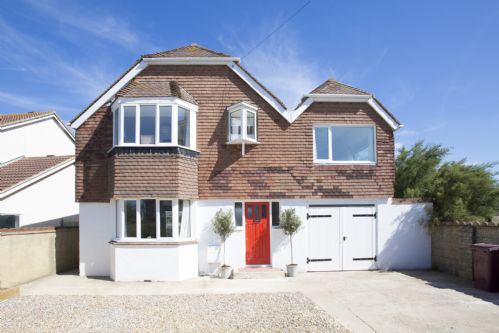 Upfront,up,front,reviews,accommodation,self,catering,rental,holiday,homes,cottages,feedback,information,genuine,trust,worthy,trustworthy,supercontrol,system,guests,customers,verified,exclusive,red door,wellies & windbreaks,west wittering,,image,of,photo,picture,view