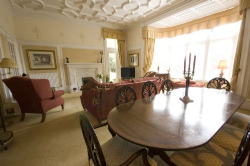 Upfront,up,front,reviews,accommodation,self,catering,rental,holiday,homes,cottages,feedback,information,genuine,trust,worthy,trustworthy,supercontrol,system,guests,customers,verified,exclusive,springwood apartment,stirling self catering ltd,stirling,,image,of,photo,picture,view