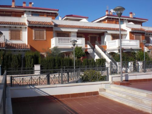 28. Detached Villa, Playa Flamenca, Alicante, Spain - 2 Bed - Sleeps 4
