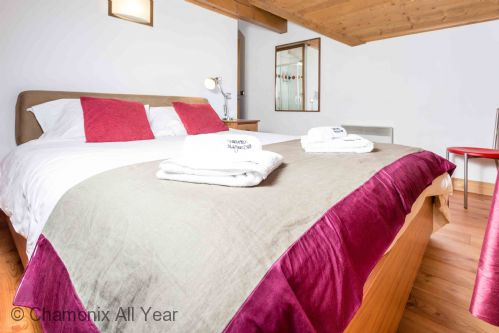 Upfront,up,front,reviews,accommodation,self,catering,rental,holiday,homes,cottages,feedback,information,genuine,trust,worthy,trustworthy,supercontrol,system,guests,customers,verified,exclusive,villa vallet apartment,chamonix all year ltd,chamonix,,image,of,photo,picture,view