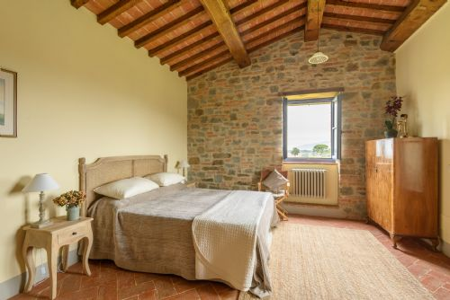 Upfront,up,front,reviews,accommodation,self,catering,rental,holiday,homes,cottages,feedback,information,genuine,trust,worthy,trustworthy,supercontrol,system,guests,customers,verified,exclusive,casa sophia brolio,tuscan charm,castiglion fiorentino,,image,of,photo,picture,view