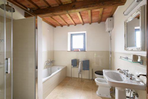 Large family bathroom, with bathtub