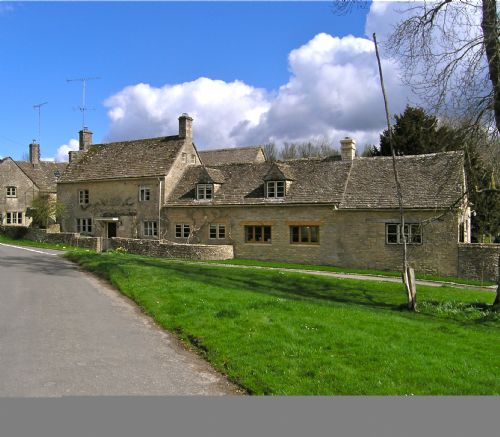 Upfront,up,front,reviews,accommodation,self,catering,rental,holiday,homes,cottages,feedback,information,genuine,trust,worthy,trustworthy,supercontrol,system,guests,customers,verified,exclusive,swan house,swan house,cirencester,,image,of,photo,picture,view