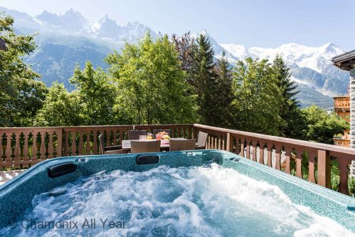 Stunning views of Mont Blanc from the hot tub