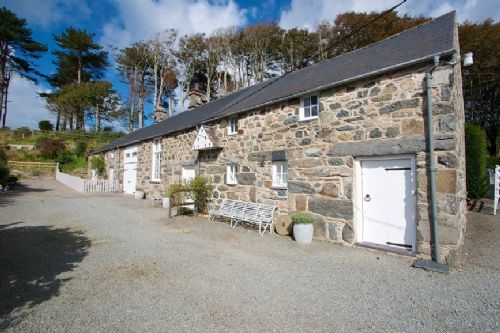 Upfront,up,front,reviews,accommodation,self,catering,rental,holiday,homes,cottages,feedback,information,genuine,trust,worthy,trustworthy,supercontrol,system,guests,customers,verified,exclusive,dove cottage,llanfendigaid estate,tywyn,,image,of,photo,picture,view