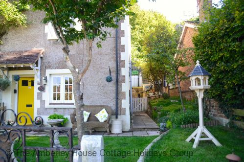 Gran's Cottage - Main Image
