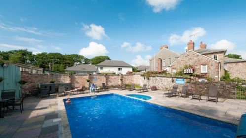 Upfront,up,front,reviews,accommodation,self,catering,rental,holiday,homes,cottages,feedback,information,genuine,trust,worthy,trustworthy,supercontrol,system,guests,customers,verified,exclusive,puffin,broomhill manor country estate,,,image,of,photo,picture,view