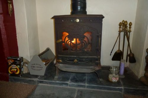 Nightingale Cottage, Wood Burner, Lakes Cottage Holidays