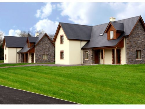 Ardnagashel Woods Holiday Homes, Ardnagashel, Co.Cork - 4 Bed - Sleeps 8