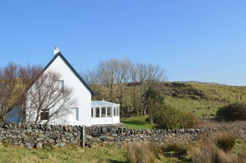Upfront,up,front,reviews,accommodation,self,catering,rental,holiday,homes,cottages,feedback,information,genuine,trust,worthy,trustworthy,supercontrol,system,guests,customers,verified,exclusive,torsa farmhouse,torsa island farmhouse,oban,,image,of,photo,picture,view