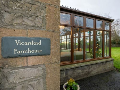 Upfront,up,front,reviews,accommodation,self,catering,rental,holiday,homes,cottages,feedback,information,genuine,trust,worthy,trustworthy,supercontrol,system,guests,customers,verified,exclusive,vicarsford farmhouse,solid luxury ,leuchars,,image,of,photo,picture,view