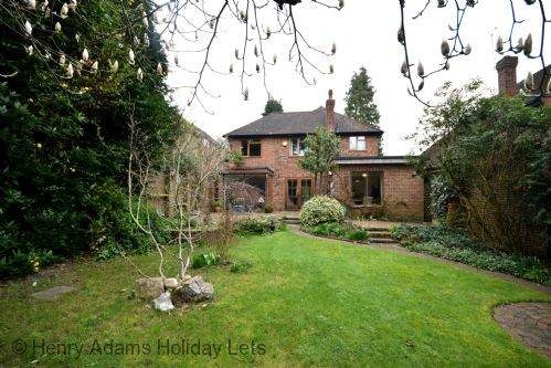 Upfront,up,front,reviews,accommodation,self,catering,rental,holiday,homes,cottages,feedback,information,genuine,trust,worthy,trustworthy,supercontrol,system,guests,customers,verified,exclusive,lynwood , woking,henry adams holiday lets,surrey,,image,of,photo,picture,view