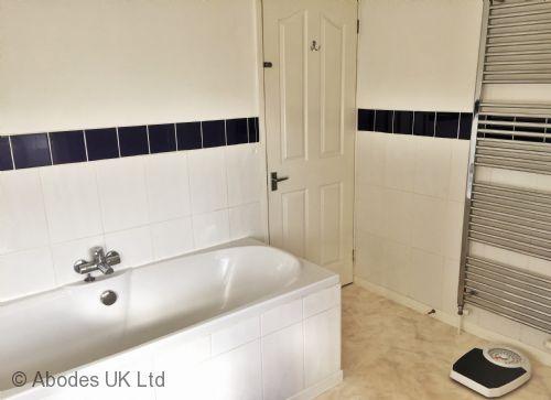 Corner House B&B - Bathroom