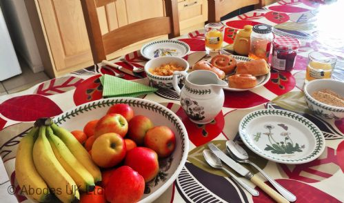 Corner House B&B - Continental Breakfast