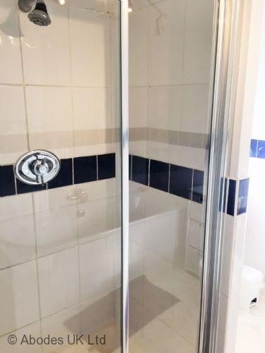 Corner House B&B - Shared Shower