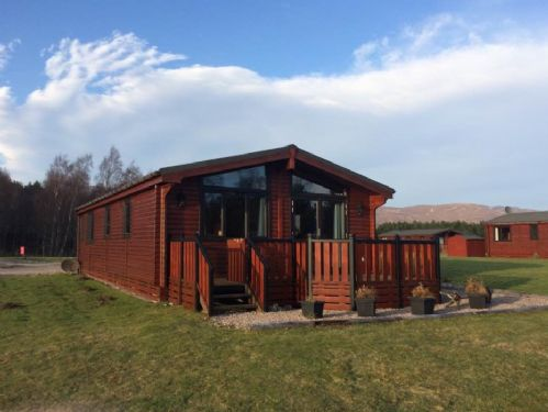 Upfront,up,front,reviews,accommodation,self,catering,rental,holiday,homes,cottages,feedback,information,genuine,trust,worthy,trustworthy,supercontrol,system,guests,customers,verified,exclusive,chalet 48,dalraddy holiday park,aviemore,,image,of,photo,picture,view