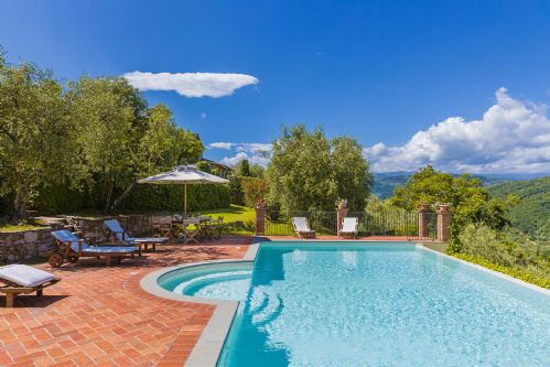 Upfront,up,front,reviews,accommodation,self,catering,rental,holiday,homes,cottages,feedback,information,genuine,trust,worthy,trustworthy,supercontrol,system,guests,customers,verified,exclusive,villa il castagno,rentals in italy srl,monsummano terme,,image,of,photo,picture,view