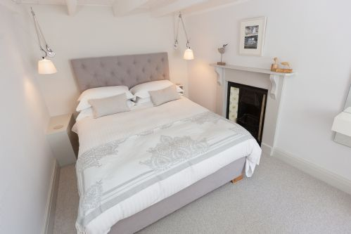 Upfront,up,front,reviews,accommodation,self,catering,rental,holiday,homes,cottages,feedback,information,genuine,trust,worthy,trustworthy,supercontrol,system,guests,customers,verified,exclusive,sailfish cottage,cherished cottages ltd,st ives,,image,of,photo,picture,view