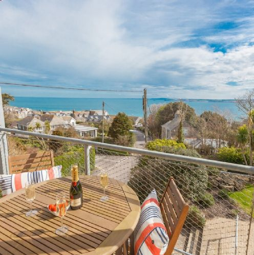 Upfront,up,front,reviews,accommodation,self,catering,rental,holiday,homes,cottages,feedback,information,genuine,trust,worthy,trustworthy,supercontrol,system,guests,customers,verified,exclusive,the lighthouse,cherished cottages ltd,st ives,,image,of,photo,picture,view