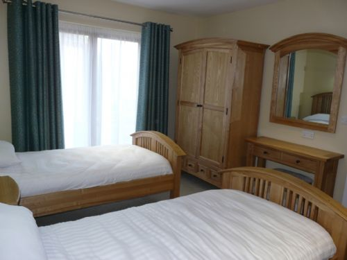 Cherry Cabin, Twin Bedroom, Lakes Cottage Holidays