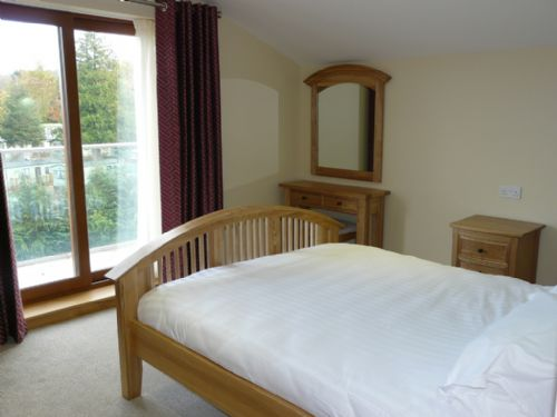 Cherry Cabin, Double Bedroom, Lakes Cottage Holidays