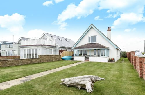 Upfront,up,front,reviews,accommodation,self,catering,rental,holiday,homes,cottages,feedback,information,genuine,trust,worthy,trustworthy,supercontrol,system,guests,customers,verified,exclusive,wickham,wellies & windbreaks,east wittering,,image,of,photo,picture,view