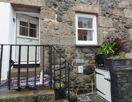 Upfront,up,front,reviews,accommodation,self,catering,rental,holiday,homes,cottages,feedback,information,genuine,trust,worthy,trustworthy,supercontrol,system,guests,customers,verified,exclusive,45, back road west,cherished cottages ltd,st ives,,image,of,photo,picture,view