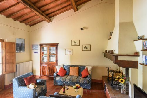 Casa Serena, Tuscany . Sitting room and entrance to gardens
